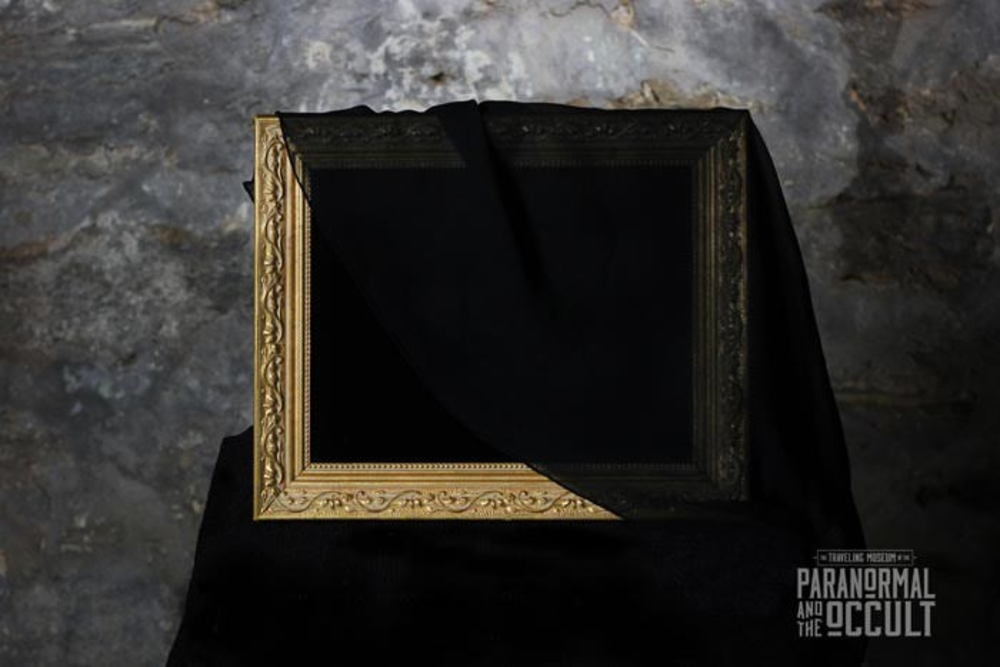scrying-mirror-paranormal-occult